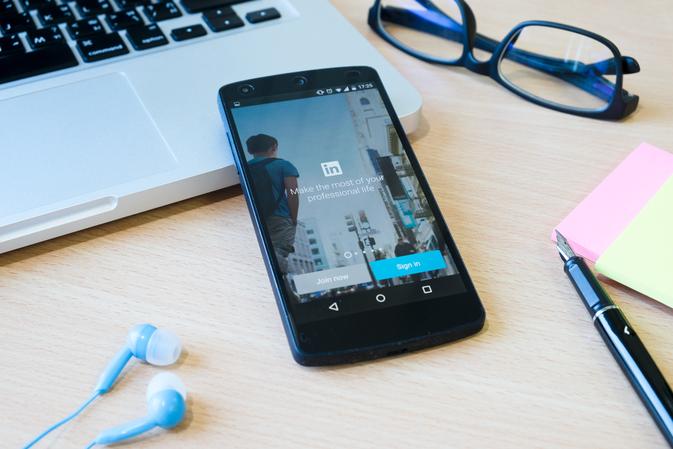 Linkedin Stories: a plataforma também vai aderir ao recurso